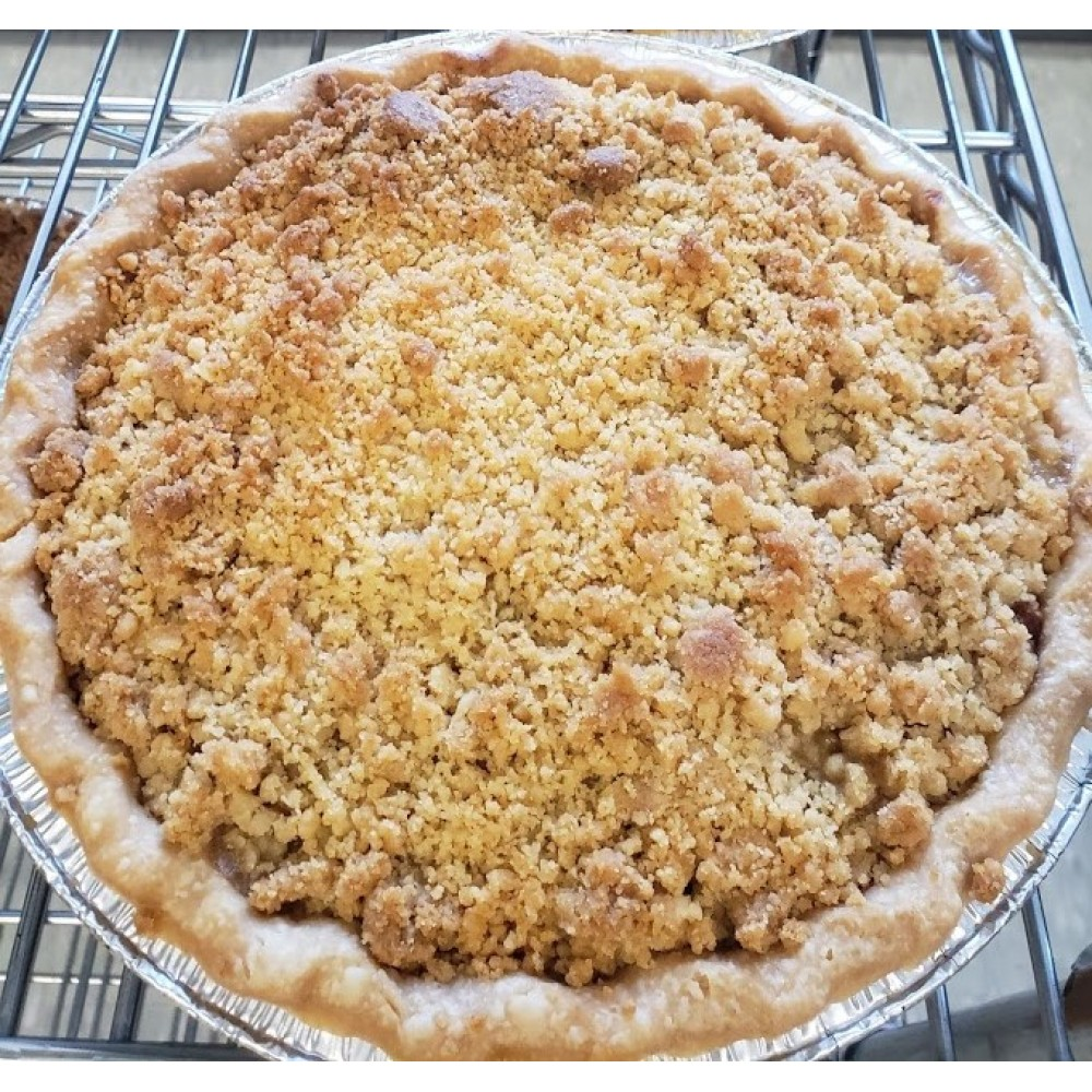 Homemade Rhubarb Crumb Pie